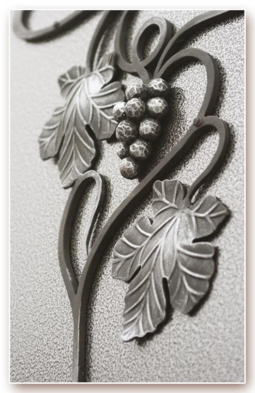 Фрагмент кованой отделки «Лоза»