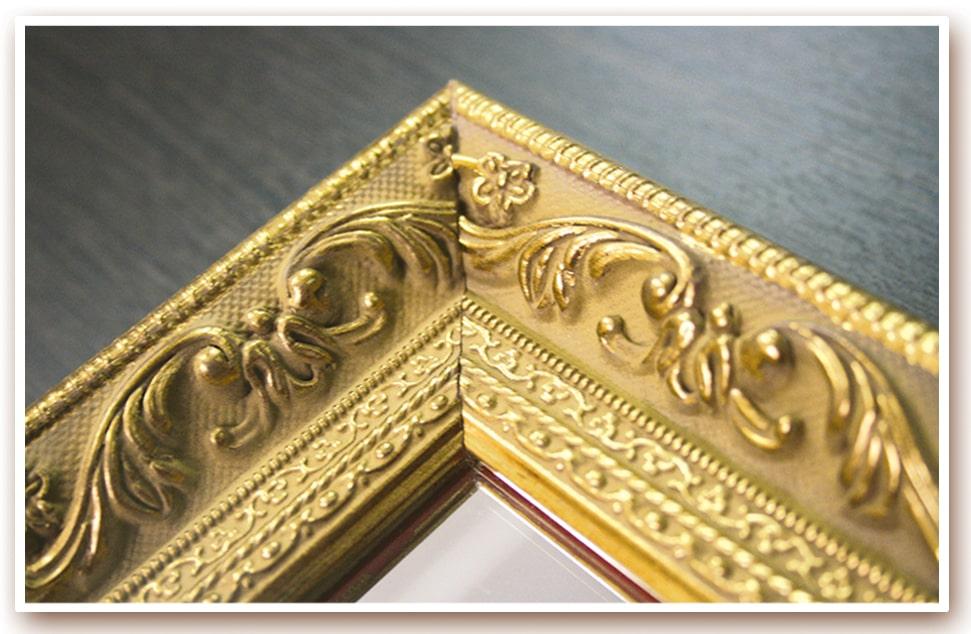 Фрагмент панели «Версаль», художественная рама из массива сосны